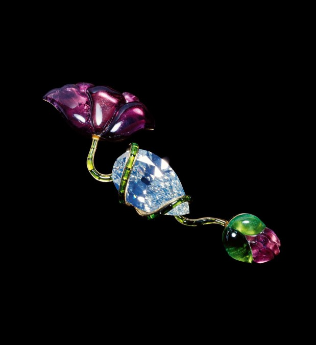 JAR Poppy Brooch, 1982. Made of diamond, tourmalines, and gold. Photo courtesy of JAR, Paris.